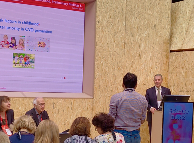 Professor Terry Dwyer responds to audience questions at the ESC Congress 2019